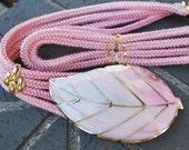 Vintage Pink Shell Stretchy Rope Belt