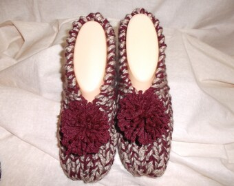 Women's Knitted Merlot and Tan Slippers Size 6,7, or 8