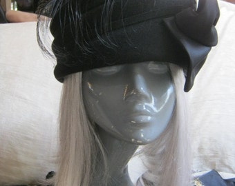 Vintage felted wool hat, asymmetric hat  black side bow  black feather, Bollman striking black bow feather hat