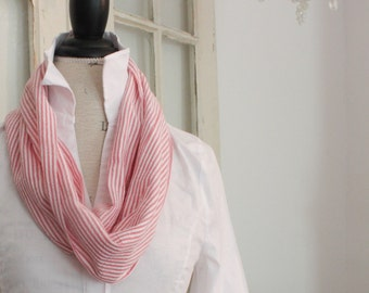 preppy red & white seersucker cowl