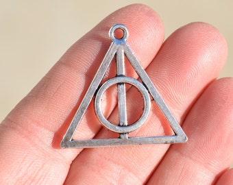 1 Silver Triangle Pendant SC2112