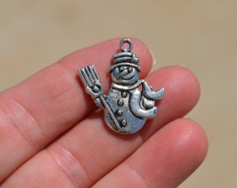 5 Silver Frosty the  Snowman  Charms SC2238