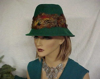 """Green wool """"Henry Pollak"""" fedora hat with colorful feathers going around crown- union label -fits 22 inches"""