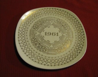 Vintage 1961 Monthly Calendar Collectible Plate, Cream With Gold Trim, Great Gift