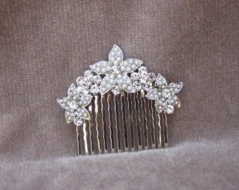 Pearl And Rhinestone Bridal Hair Comb / Wedding Hair Comb / Flower Hair Comb / Hair Piece