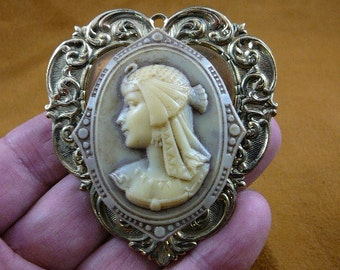 Egyptian lady woman wearing bird headdress cameo brass pin pendant brooch Egypt CL74-7