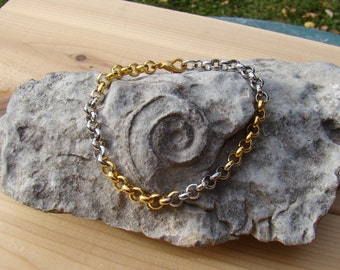Silver Gold Tone Bracelet Alternating Design Pretty Pattern Goes With Anything