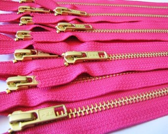 Metal zippers wholesale - FIVE hot pink 7 inch brass zippers with gold teeth, YKK color 516, great for leather purses, jewelry making