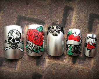 Paradise City. Rocker Chic Fake Nails, Press On Nails, Stud Skull Rose Tattoo False Nails Set, Reusable Acrylic Press On Nails for Bad Girls