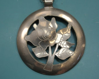 UNIQUE one-of-a-kind signed vintage 1980s Swedish handcrafted round rose flower pewter pendant necklace