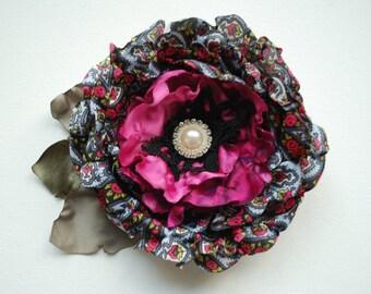 grey gray fuchsia pink flower, weddings accessories, bridesmaids, bridal hair clip, head piece, groomsmen corsage, bridal brooch pin