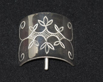 Sterling Silver Pony Tail Cover with Engraved Wabanaki Double Curve Designs