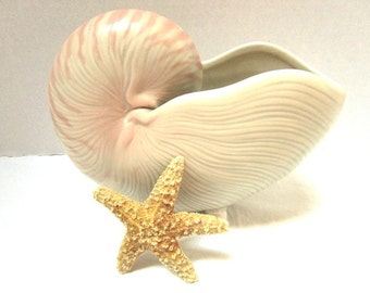 Vintage Fitz and Floyd Footed Nautilus Shell Planter / Vase /  Pencil Holder / Toothbrush Holder, Coral Pink + Cream, Beautiful Beach Decor