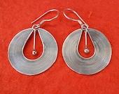 Balinese Silver sterling dangle Earrings /  silver 925 / Handmade Bali jewelry / 1.50 inch long / (#113em)