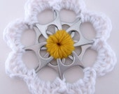 Daisy Recycled Can Tab Decoration upcycled