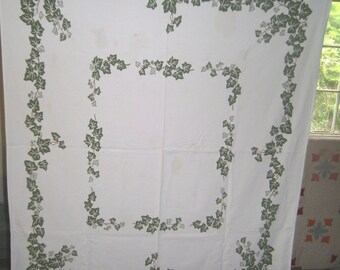 1950s PRINT KITCHEN TABLECLOTH - Ivy Chain