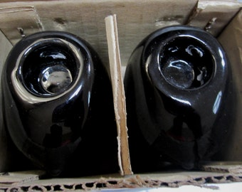 A Pair of Solid Black  Bust Candle Stick Holders  NO.944