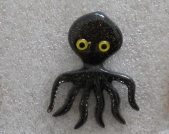 A  Beautifull Sparkling Black Lucite Octopus  Pin / Brooch.