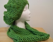 Knitted Beret with Crocheted Cowl