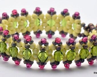 Pistachio Jitterbug Beaded Bracelet