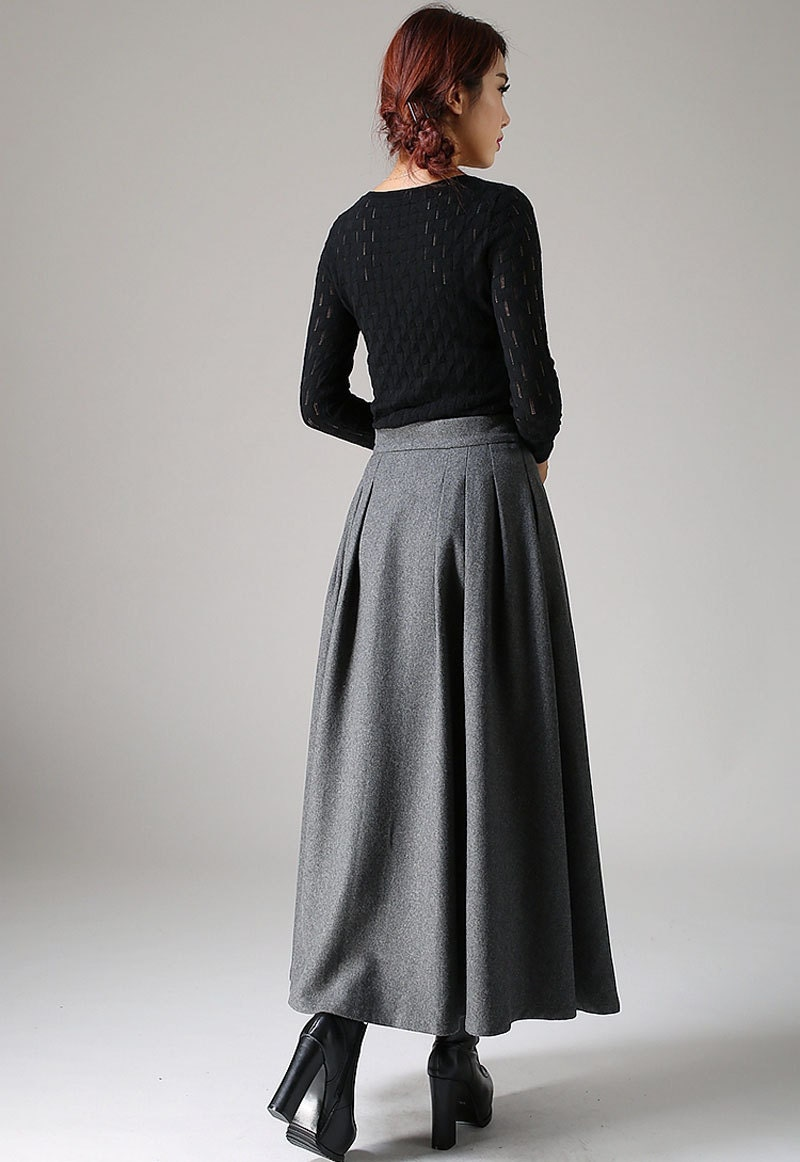 how to wear a grey maxi skirt in winter