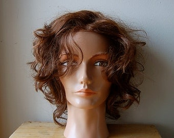Vintage Retro 1980s Pivot Point Cosmetology Hairdresser Practice Mannequin Head.
