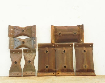 2 sets of salvaged rusty corner brackets for coffee end  table ottoman vintage hardware
