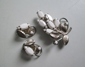 Vintage 1960's, white glass rhinestone Clip Earrings and Brooch, pin Set.
