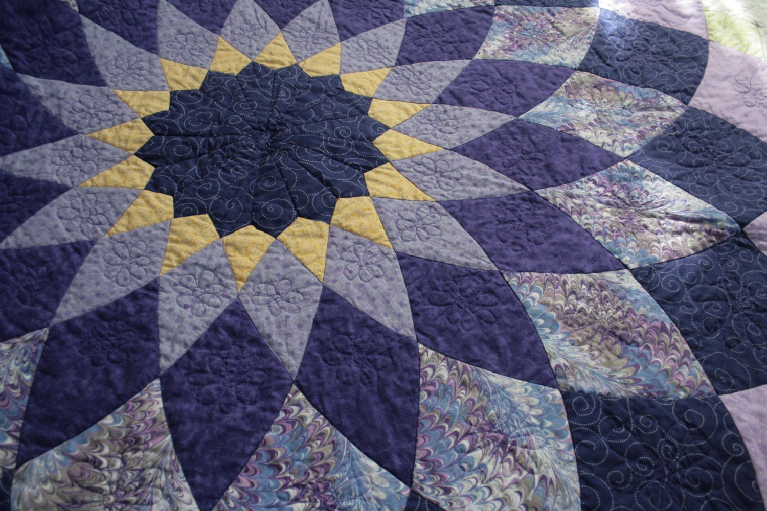 Giant Dahlia Quilt Images : Quilt Full/Double Giant Dahlia Purple Patchwork
