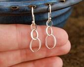 Tiny oval earrings in sterling silver, entwined links, three ovals, hammered earrings, oval earrings, interlocking