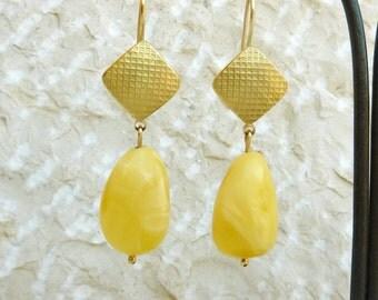 Baltic Amber Earrings, 18K Gold Earrings, Yellow Amber, Gold Dangle earrings - Handmade Jewelry