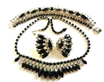 Awesome WEISS signed Vintage Black Glass & Clear Rhinestone Necklace Bracelet and  Earrings set  1950 --Art.166/3-