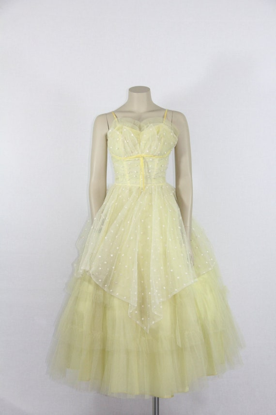 SALE......1950's Prom  Dress - SWEETHEART Shelf Bust -  Vintage Yellow and Ivory Swiss Dot Tulle Party  Prom  Dress - 33 / 25 / full