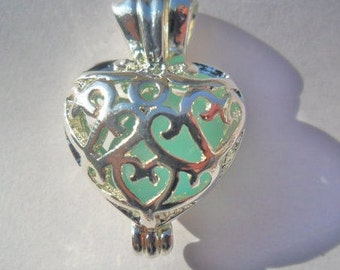 Bright siver plated - Large Loving Heart Locket - pendant - lace filigree