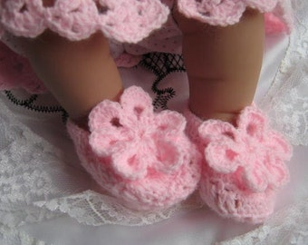CROCHET PATTERN - Baby Bootees Slippers Booties - Pink Delight - Sizes 3.25 ins up to 3.75 ins
