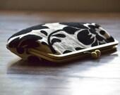 Bridesmaids Clutches Black Velvet Flower Custom Wedding Purses Handmade Bags Personalized Bridesmaids Gift Kisslock