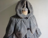 Poncho with Hood in Medium Gray Gold for women