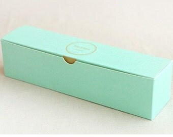 10 Macaron boxes in Mint (hold 8-10 )