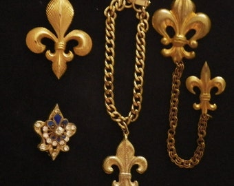 Vintage Lot of Gold Tone Fleur de Lis Jewelry