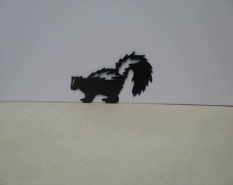Skunk 004 Metal Wildlife Wall Art Silhouette