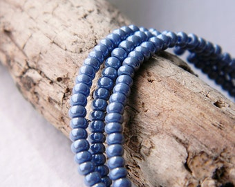 9/0 Powder Blue Seed Beads, Rocailles seed beads, 2.7mm (20g)