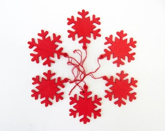 Vintage red wood SNOWFLAKE to hang ⎮Christmas tree ornament⎮Xmas decor garland⎮mid century modern⎮set of 18