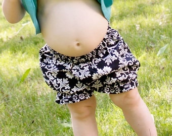Baby Bloomers Pattern - Bloomers are in!