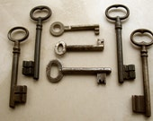 large old key  - 7 vintage and antique keys - vintage iron keys - vintage supplies (T-63b)