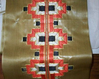 Hand loom embroidery deco period