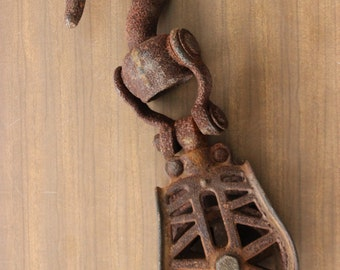 Vintage Antique Industrial Rusty Farm Barn Pulley Hook Metal