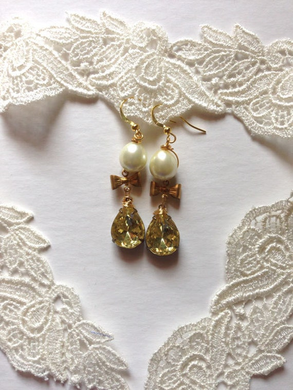 Custom listing for RD  Romantic Vintage Style Pearl and Emerald  Rhinestone earrings Estate Jewelry
