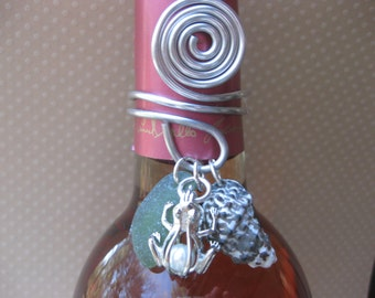 Wine Bottle Topper - Frog Sea Glass Wine Bottle Topper Beach Glass Jewelry, Handmade Custom Jewelry Wine Charm