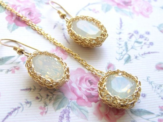 Crystal Wedding Jewelry Set, Crystal Bridesmaid Jewelry, Swarovski Bridal Jewelry Set, Bridal Earrings and Necklace, White Opal Swarovski