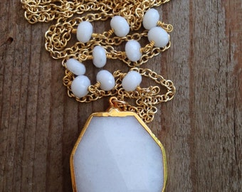Gold edged White Agate necklace with gold filled circle chain - NG28